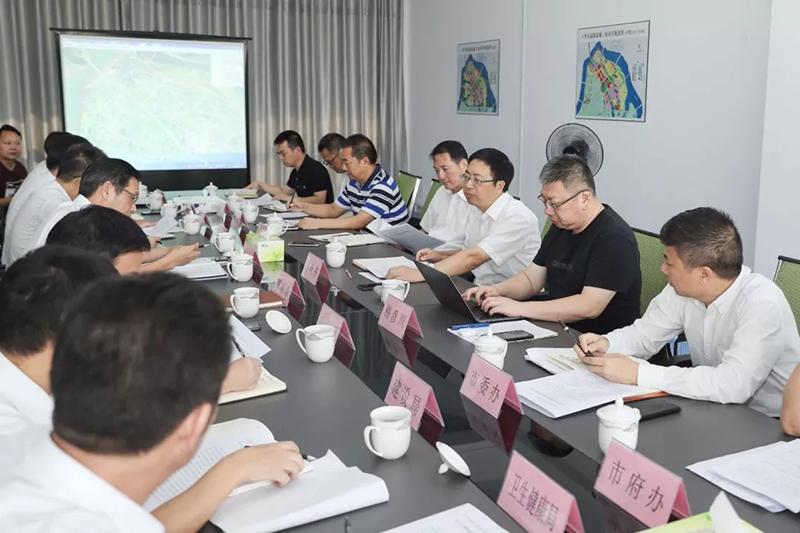 陈峰齐在听取上华田园创新城建设工作汇报时强调 基础先行项目优先 分步实施高质建设